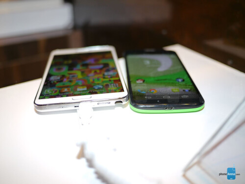 Samsung Galaxy Note 3 vs Motorola Moto X: first look
