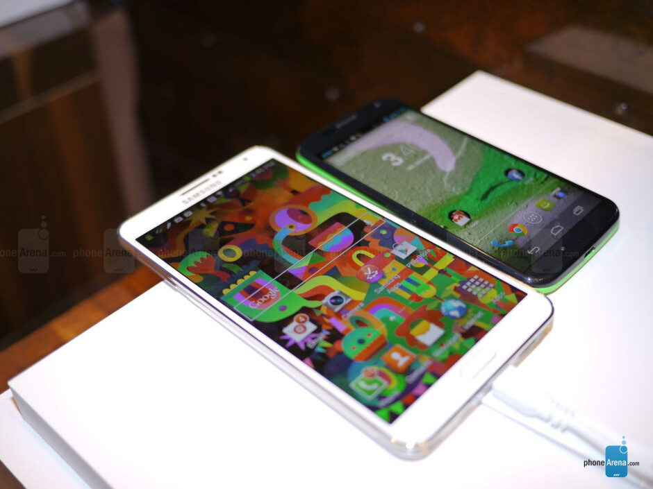 Samsung Galaxy Note 3 vs Motorola Moto X - Samsung Galaxy Note 3 vs Motorola Moto X: first look