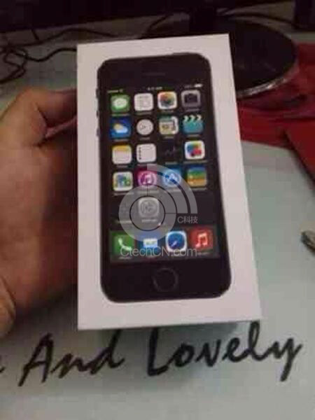 Photos of leaked Apple iPhone 5S box; note the circle around the home button - Packaging for Apple iPhone 5S leaks, confirms fingerprint scanner