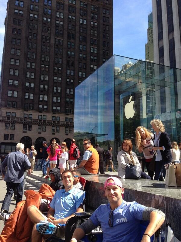 Customers already lining up for iPhone 5S, obviously have no jobs, sense of time