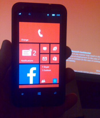 Picture of  Nokia Lumia 620 running Windows Phone 8.1 was found on a microSD card
