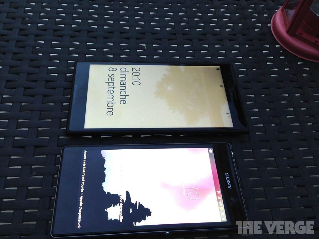 أول صور واقعية للهاتف اللوحى Lumia 1520 بجانب هاتف Xperia Z