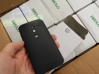 Dummy models of the Motorola Moto X are arriving at Cricket Wireless