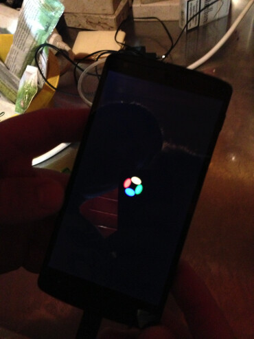 Nexus 5 lost in a  bar