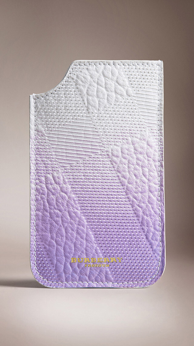 $280 Burberry iPhone 5s case - Check out the Burberry Prorsum catwalk show, shot with the new iPhone 5s