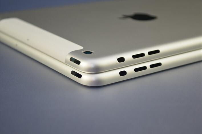 iPad mini (top) vs iPad 5