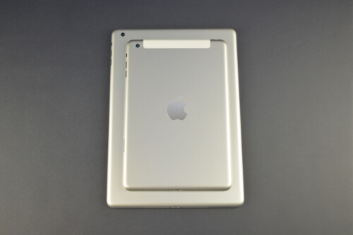 iPad mini (top) vs iPad 5