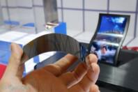LG-Display-5-inch-flexible-OLED-prototype-sid-2013-engadget-imgassist-349x232