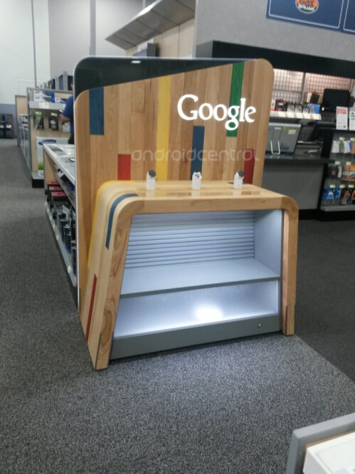 Empty Google display case shows up at Best Buy, possible Nexus 5 display?