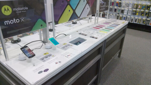 Moto Maker getting full setup at Best Buys