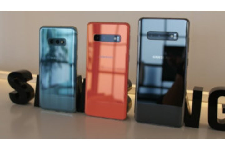 Galaxy S10, S10+ and S10e are official, and they are gorgeous!