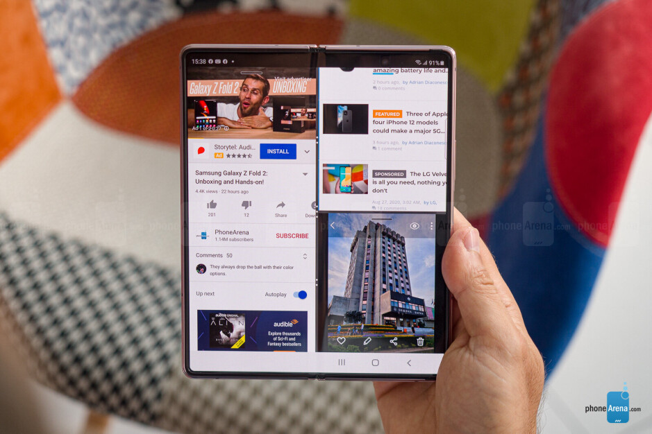 OneUI multitasking on the Samsung Galaxy Z Fold 2 5G folding smartphone