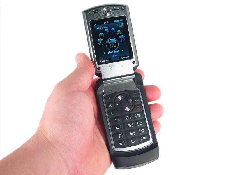 motorola renegade v950 photos rh phonearena com Motorola Cell Phones Sprint Motorola Phones