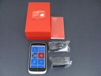 Nokia-Lumia-822-Review001-box