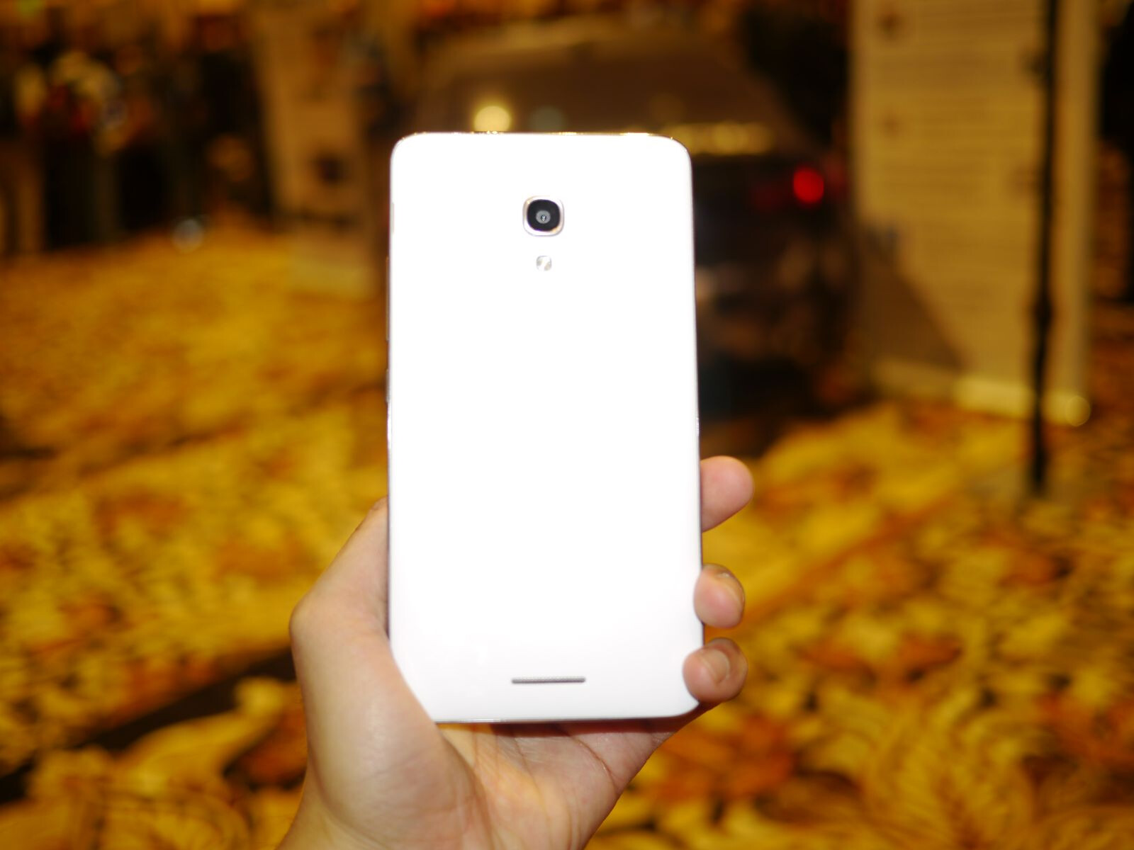 Huawei Ascend Mate 2 4G gets one step closer to a US launch as it