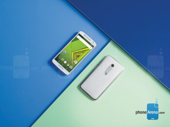 The Motorola Moto X Play in pictures