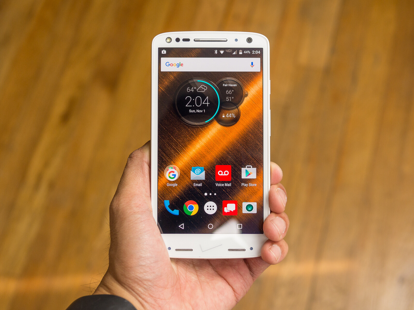 Moto Droid Turbo 2 The Specs Review