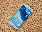 Galaxy A5 (2017): what the A5 (2018)'s predecessor looked like