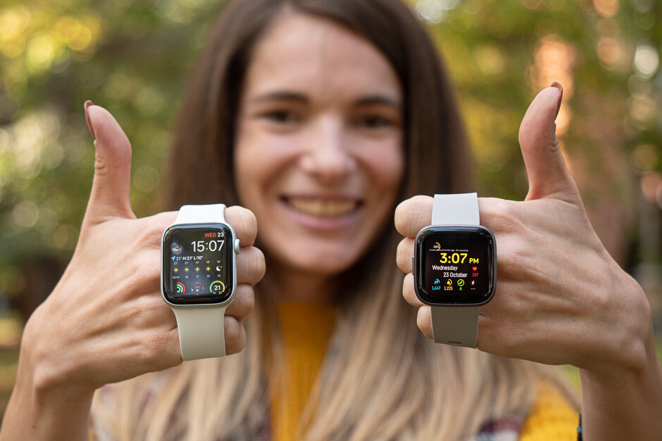 Apple Watch Series 5 vs Fitbit Versa 2 - PhoneArena