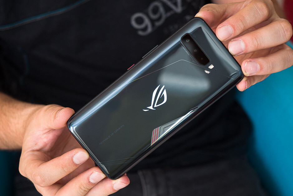 Asus ROG Phone 3 Review: Gaming Beast