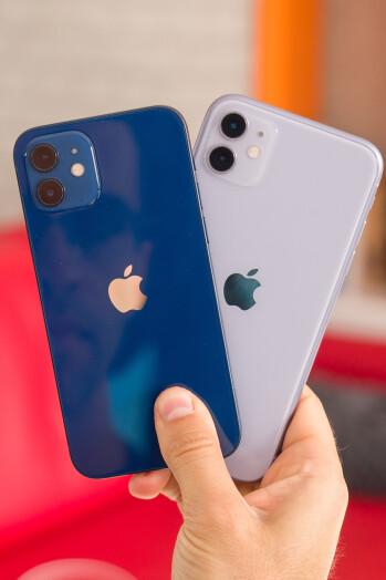 Apple iPhone 12/mini vs iPhone 11