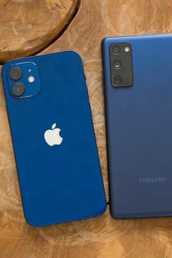Apple iPhone 12 vs Samsung Galaxy S20 FE