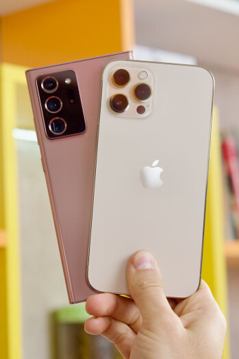 Apple iPhone 12 Pro Max vs Samsung Galaxy Note 20 Ultra