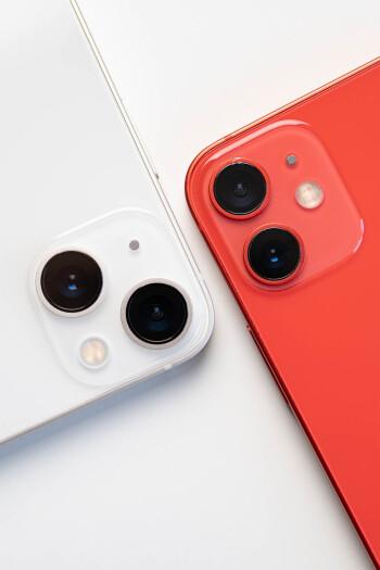 iPhone 13 mini vs iPhone 12 mini