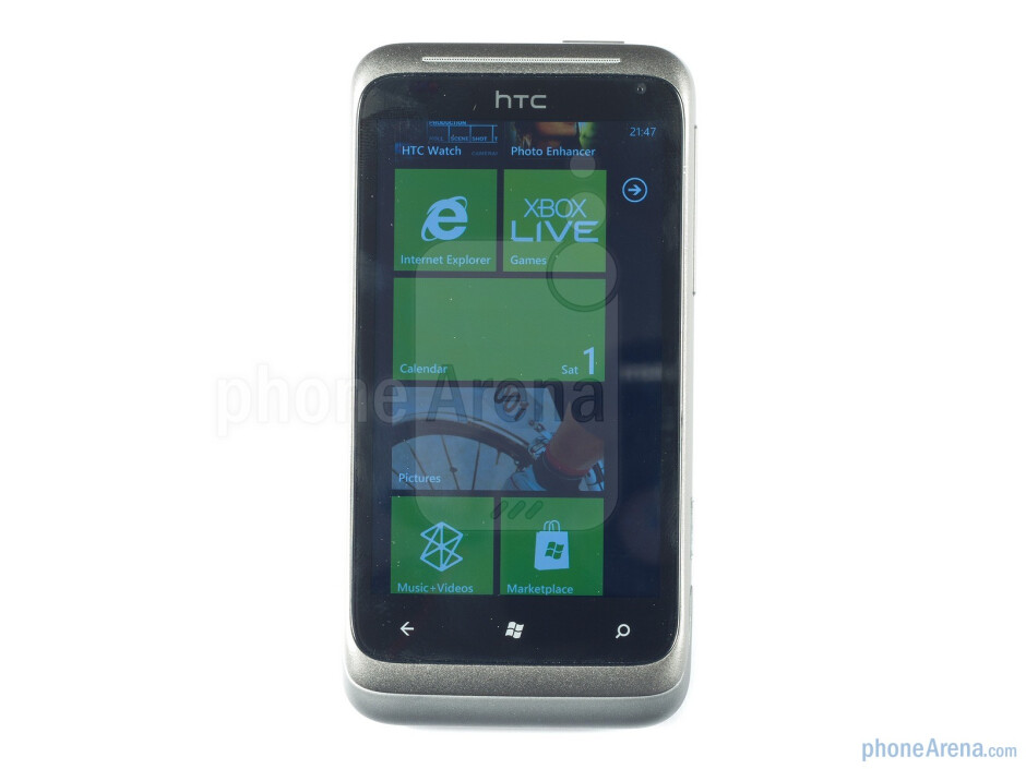 With a unibody construction and fantastic weighting the HTC Radar instantly gets a thumb's up from the first impression - HTC Radar Review