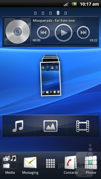 Sony Ericsson has dressed up Gingerbread in nice gradient colors - Sony Ericsson Xperia arc S Review