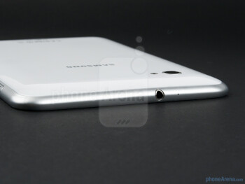 Top side with 3.5mm jack - Samsung Galaxy Tab 7.0 Plus Preview