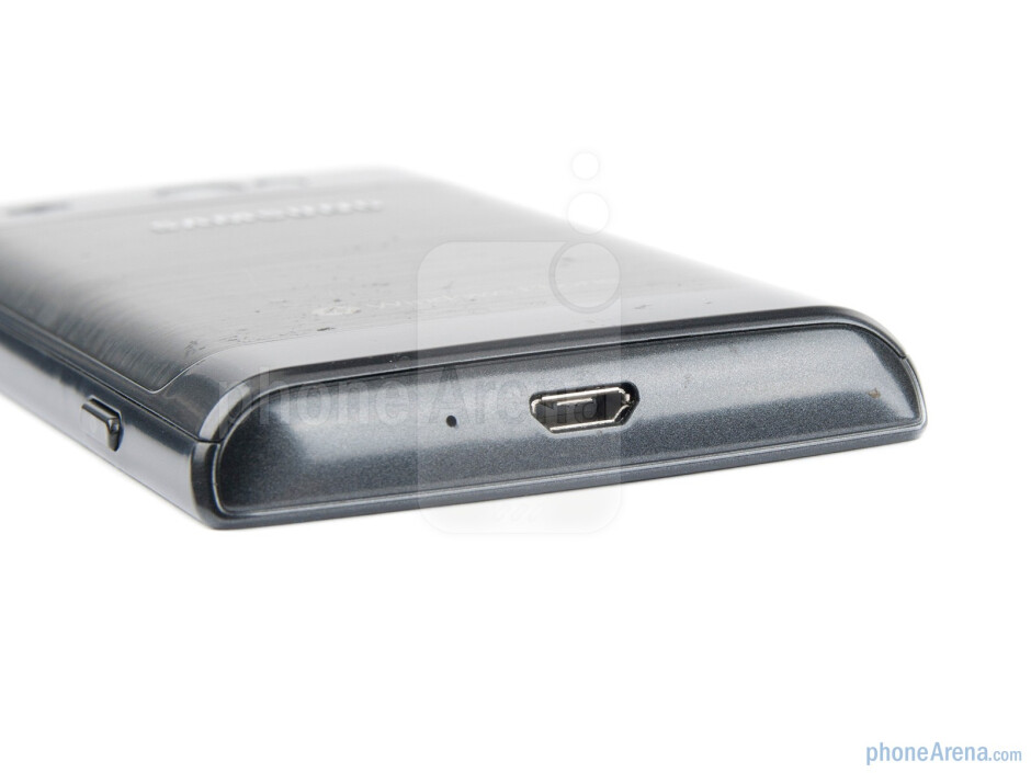 microUSB port on the bottom - Samsung Omnia W Preview