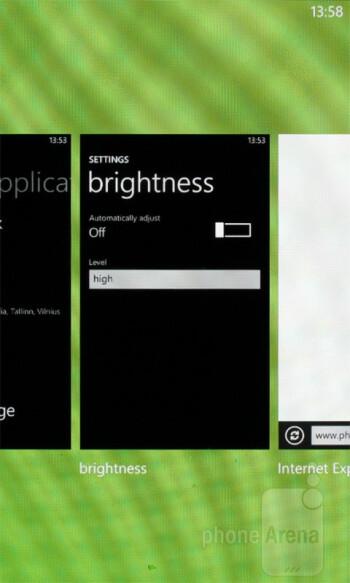 Multitasking - Samsung Omnia W Preview