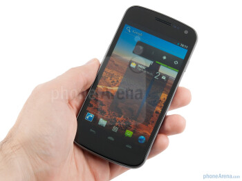 With the Samsung Galaxy Nexus, we again witness the curved design of its predecessor - Samsung Galaxy Nexus Preview