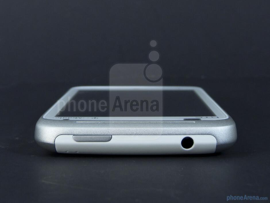 Top edge - The sides of the HTC Radar 4G - HTC Radar 4G Review