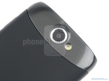 Rear camera - Samsung GALAXY W Review