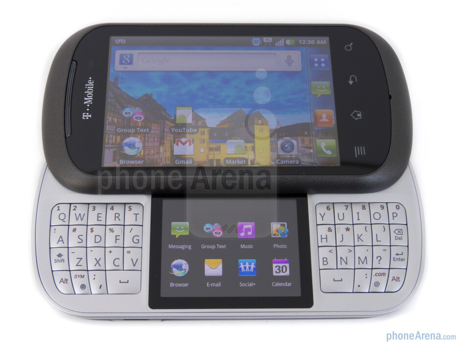"""The LG Doubleplay packs a secondary 2"""" touchscreen that separates its split-style keyboard - LG DoublePlay Review"""