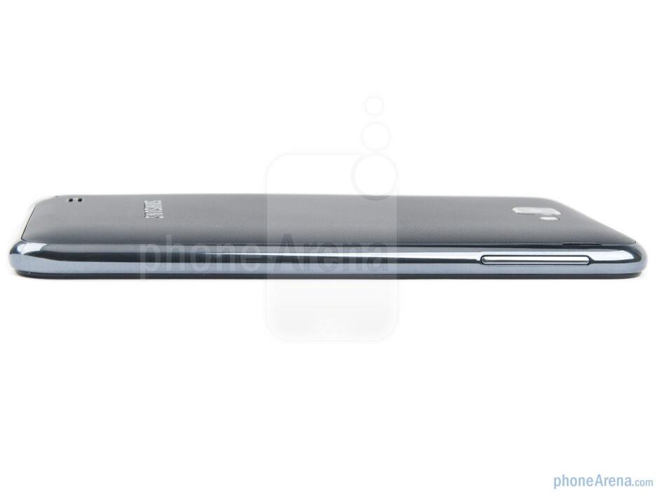 Volume rocker (left) - Samsung GALAXY Note Review