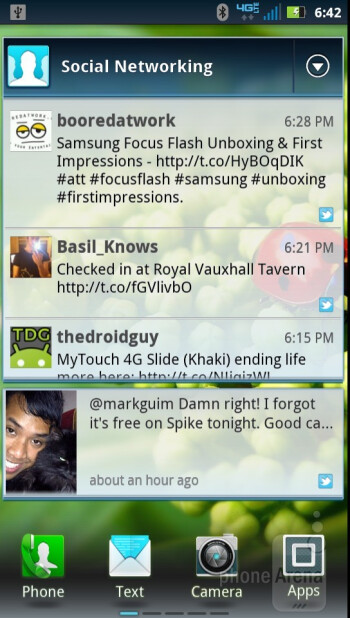 Social networking widgets - Motorola DROID RAZR Review