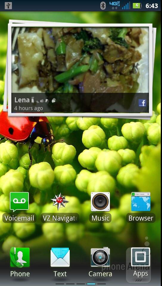 The interface ofMotorola DROID RAZR - Motorola DROID RAZR vs HTC Rezound