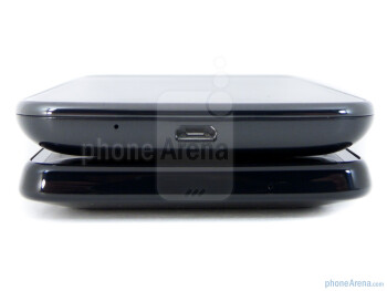 Samsung Galaxy S II - top, HTC Vivid - bottom - HTC Vivid vs Samsung Galaxy S II Skyrocket