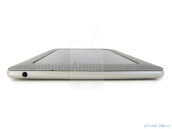 3.5mm jack (top) - Volume rocker on the right edge - Barnes & Noble NOOK Tablet Review