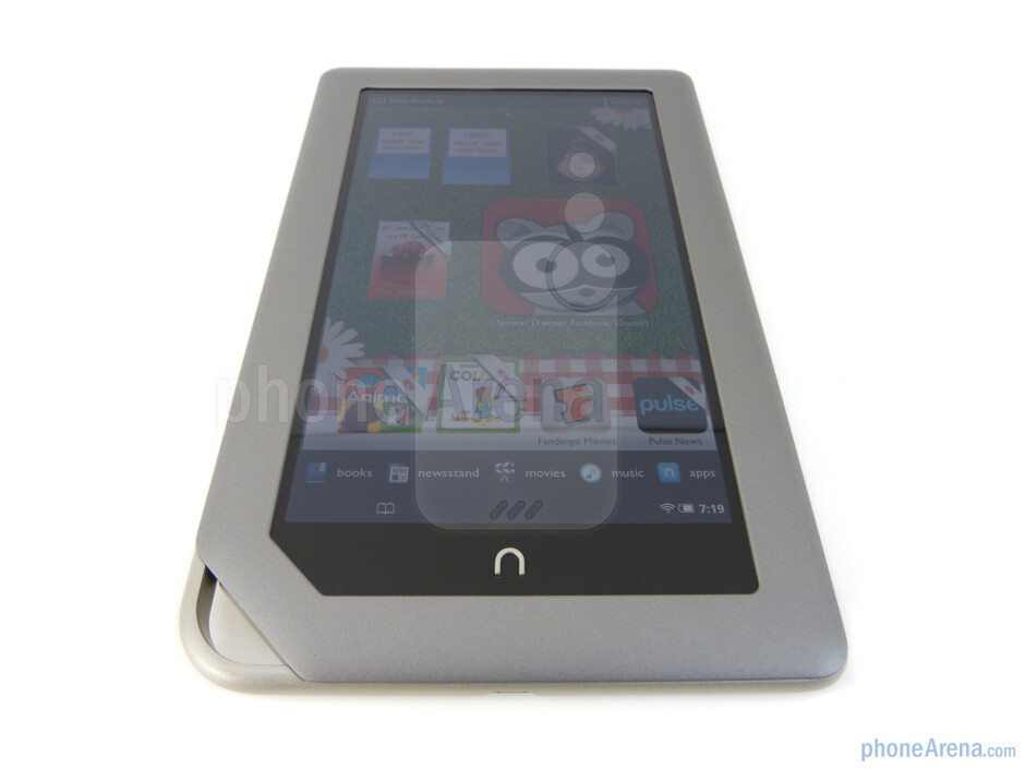 """The Nook Tablet is graced with a 7"""" VividView display - Barnes & Noble NOOK Tablet Review"""