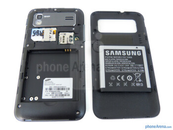 Battery compartment - Samsung Captivate Glide Review