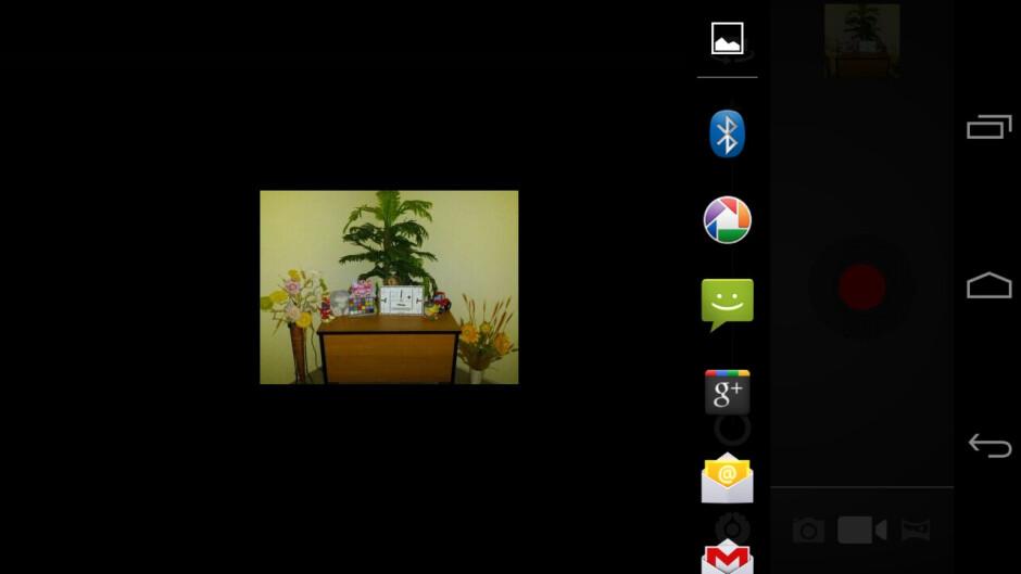 Dedicated photo-sharing screen - Samsung Galaxy Nexus Review