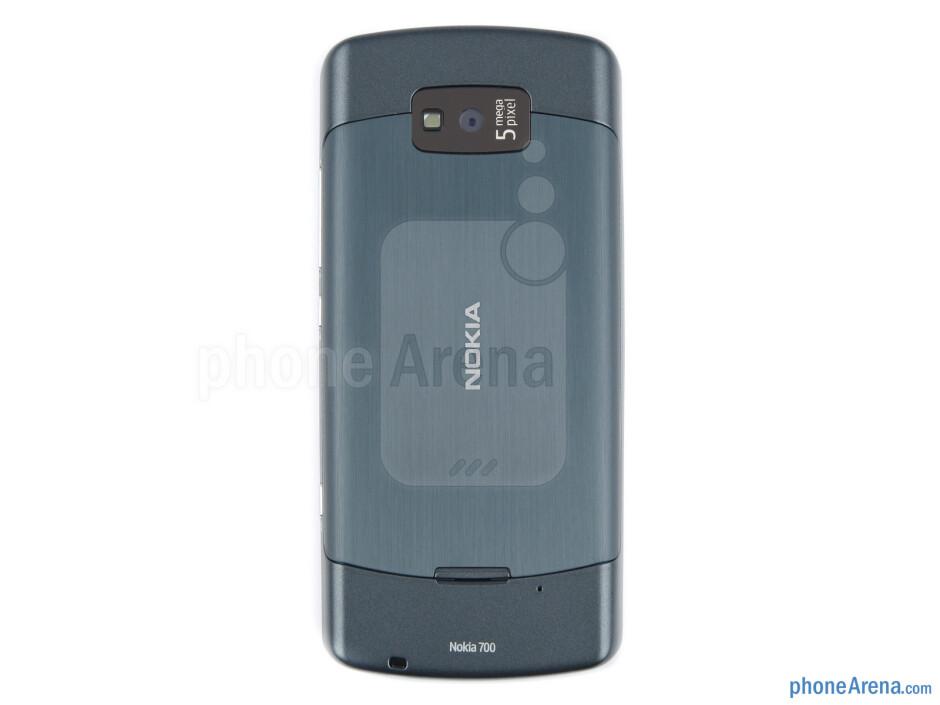 Back - Nokia 700 Review