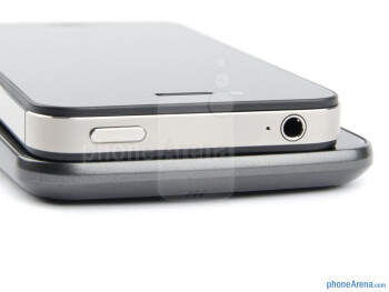 Top  edges - Samsung Galaxy Nexus (bottom) and Apple  iPhone 4S (top) - Samsung Galaxy Nexus vs Apple iPhone 4S