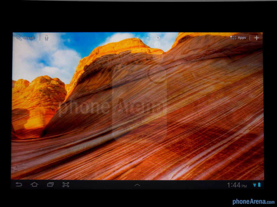 """The 8.9"""" PLS LCD display has strong luminance and wide viewing angles - Samsung Galaxy Tab 8.9 LTE Review"""