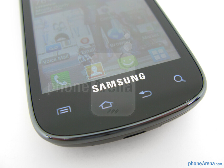 """On the front of the Samsung Illusion is a 3.5"""" TFT display that has an HVGA resolution - Samsung Illusion Review"""