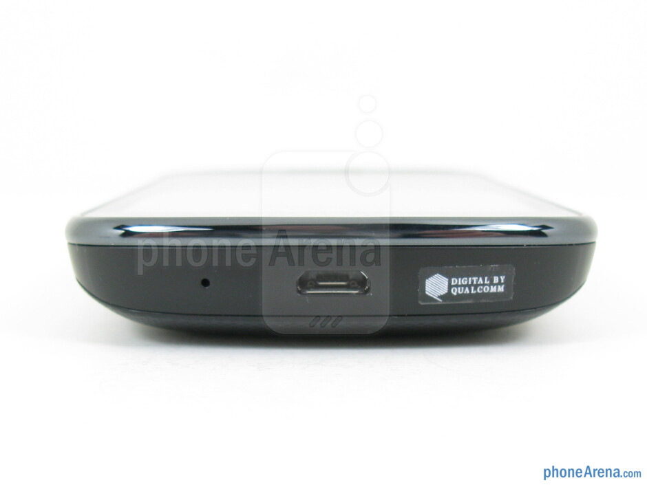 microUSB port (bottom) - Samsung Illusion Review